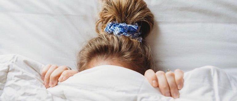 5 sai lầm thường mắc phải khi chăm sóc tóc khiến tóc trở nên hư tổn