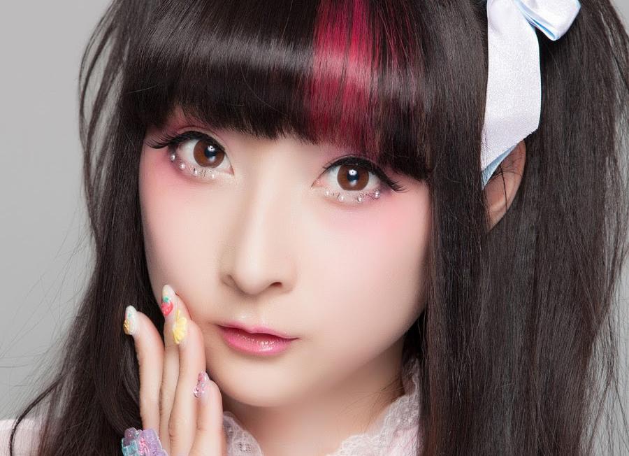 Theo dõi ngay 6 Beauty Blogger nổi tiếng nhất Nhật Bản để học ngay những tips makeup và thời trang cực đẹp và độc đáo