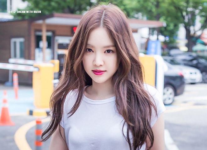 """Bí quyết sở hữu thân hình đồng hồ cát của """"Nữ thần Legging"""" Son Naeun"""