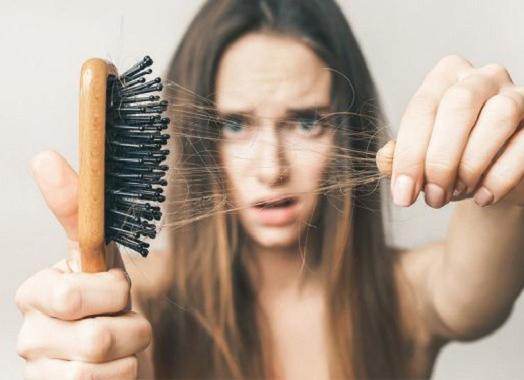 4 Nguyên nhân gây rụng tóc bạn cần biết